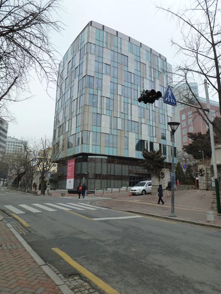 canadian embassy_05